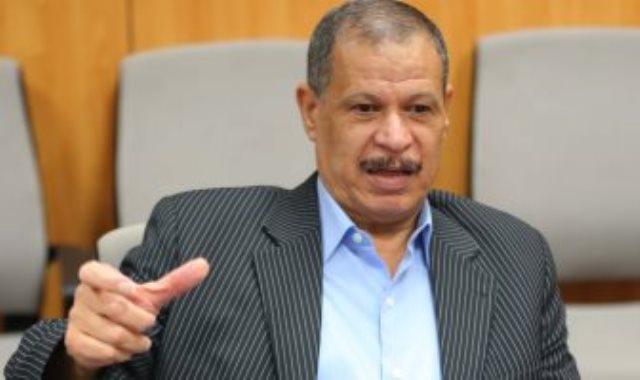 الدكتور عادل أنور، رئيس شركة كفر الدوار للغزل والنسيج