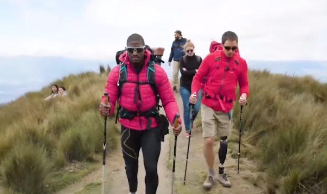 جندى أمريكى سابق مبتور الساق يتسلق الجبال لمواجهة اكتئابه