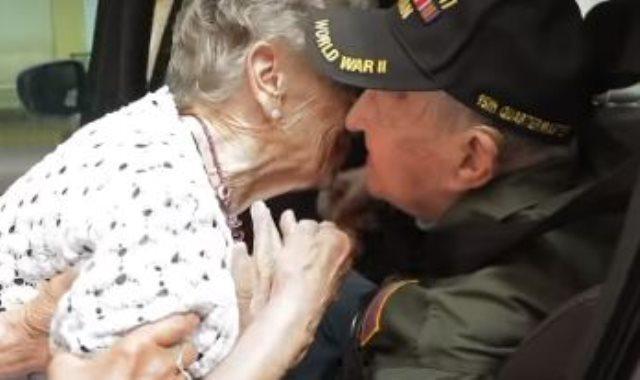 جندى امريكى وحبيبته