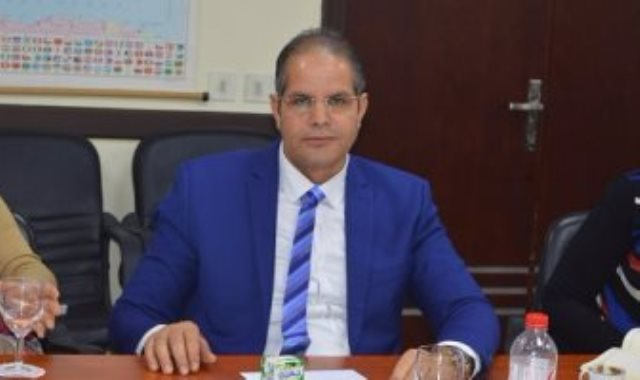 الدكتور كمال الدسوقي