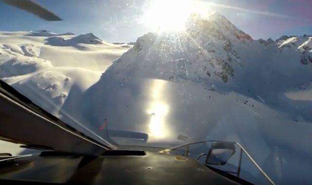 لحظة تحطم طائرتين فوق جبال الألب بإيطاليا