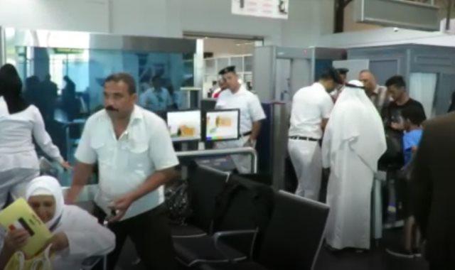 جانب من اجراءات التفتيس بمطار القاهرة
