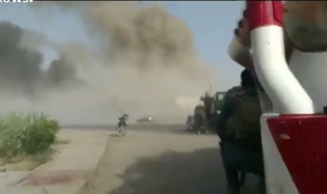 اللحظات الأولى بعد هجوم انتحاري على مركز للشرطة الأفغانية