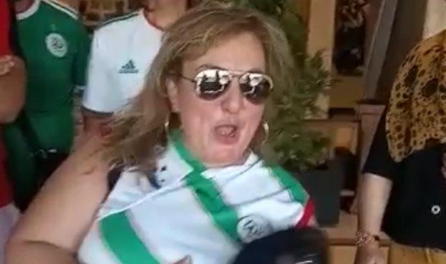 مشجعة جزائرية