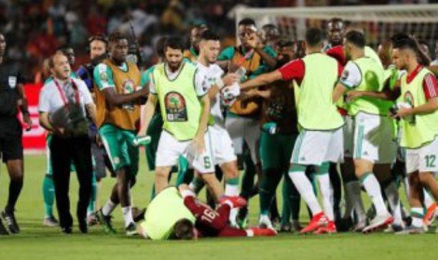 اشتباكات لاعبى الجزائر والسنغال