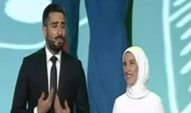 الفنان محمد الشرنوبى فى حفل ختام المؤتمر الوطنى السابع للشباب