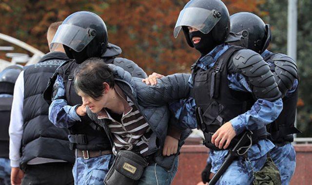 الشرطة الروسية تعتمل عدد المشاركين فى الاحتجاجات