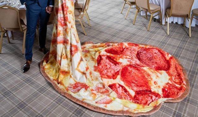 فستان البيتزا