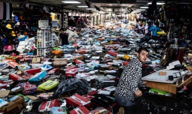 أمطار وسيول تضرب أسطنبول .. وتدمر الأسواق