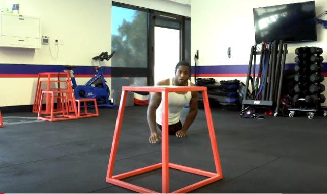 مصارع بلا أرجل بدورة الألعاب الأوليمبية لذوي الاحتياجات الخاصة