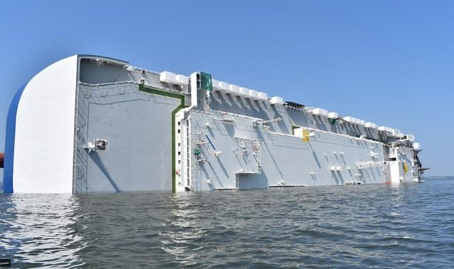 السفينة انقلبت دون أن تغرق
