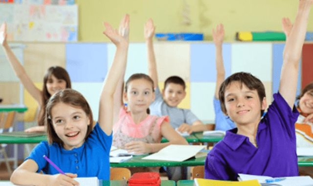 تلاميذ مدرسة ابتدائى