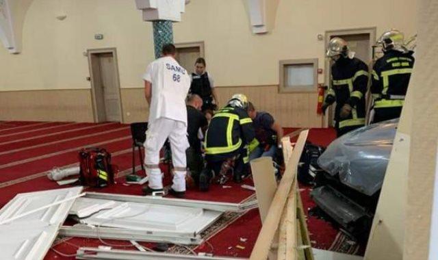 اقتحام المسجد الكبير فى كولمار فى شرق فرنسا