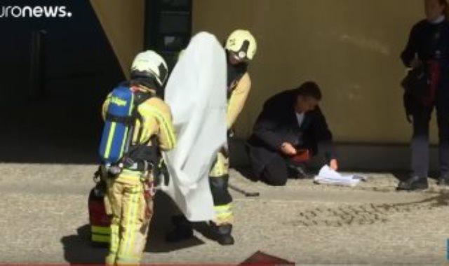 ضبط رجل هدد بإضرام النار بنفسه أمام مقر الاتحاد الأوروبى