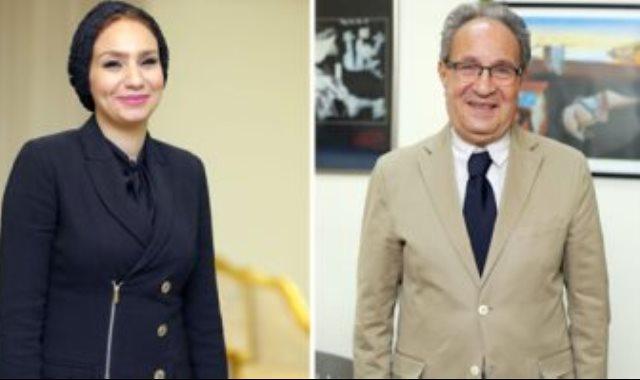 الدكتور محمد العزازى رئيس الجامعة والدكتورة ياسمين الكاشف أمين عام مجلس الأمناء