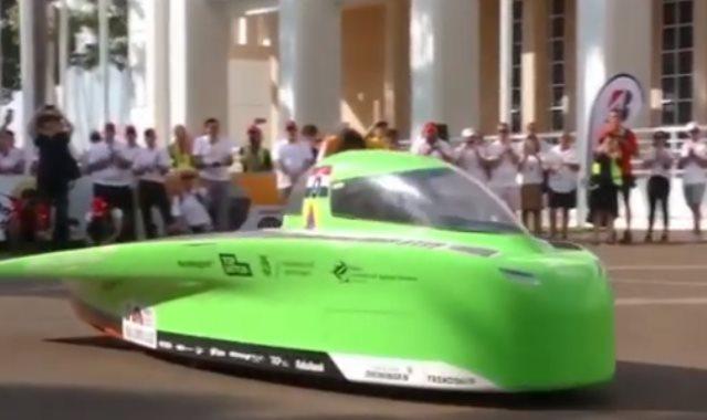 سيارات بالطاقة الشمسية