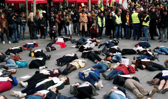 مظاهرة نسائية فى باريس