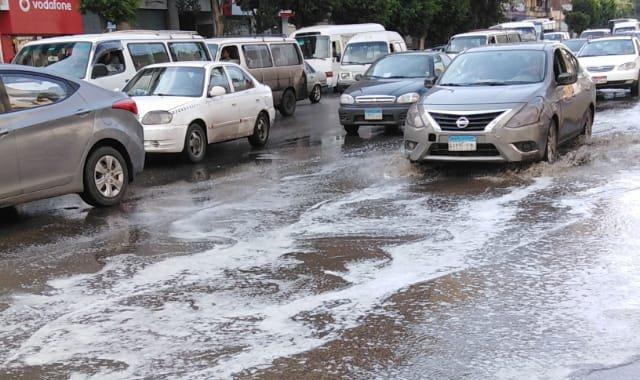 محافظة القاهرة تواصل عمليات شفط المياه الأمطار برمسيس
