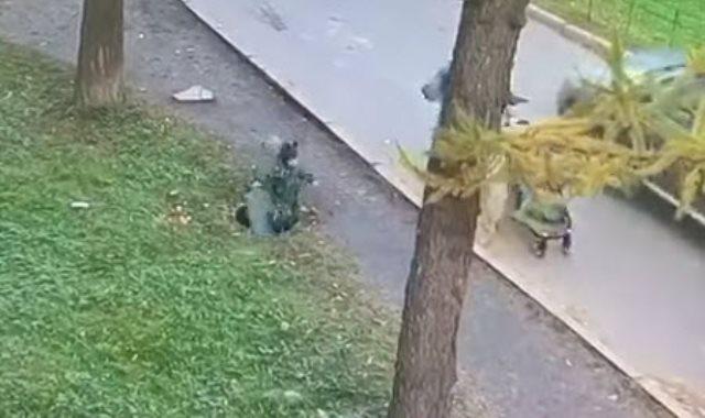 سقوط طفل فى بالوعة