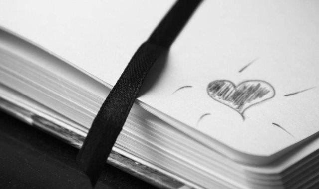 كتاب - أرشيفية
