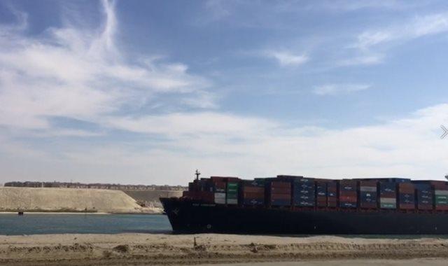 السفن بقناة السويس