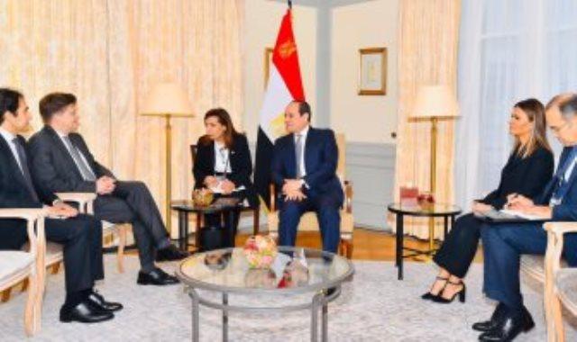 الرئيس السيسي يلتقى نائب رئيس شركة مرسيدس بينز