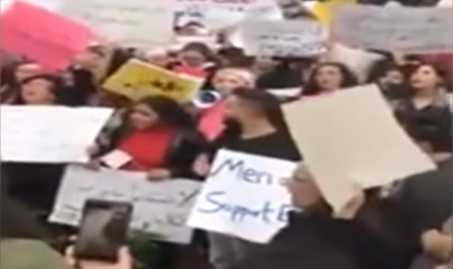 """مظاهرات الأردن """"لعيونك يا فاطمة"""