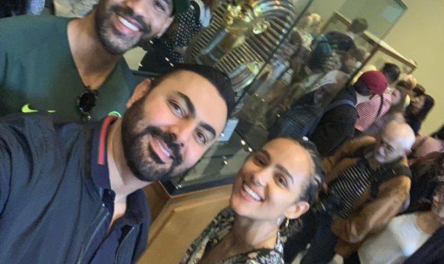 ناتالى إيمانويل بصحبة محمد كريم فى المتحف المصرى