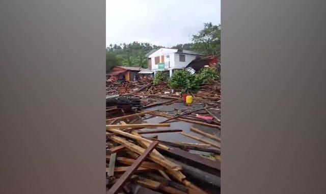 آثار الإعصار