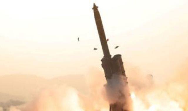 إطلاق صاروخ
