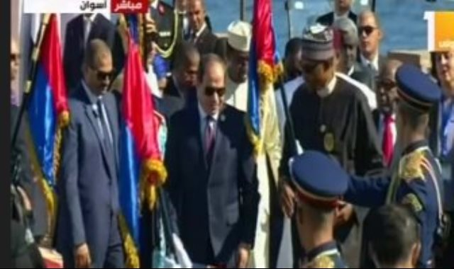 الرئيس السيسى يصل مقر انعقاد منتدى أسوان