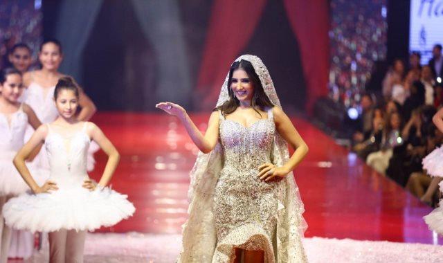 فستان مي عمر
