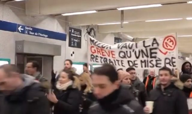 المتظاهرون الفرنسيون يقتحمون محطة ليون
