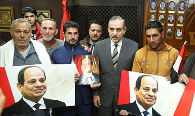 الصيادين العائدين عقب احتجازهم باليمن