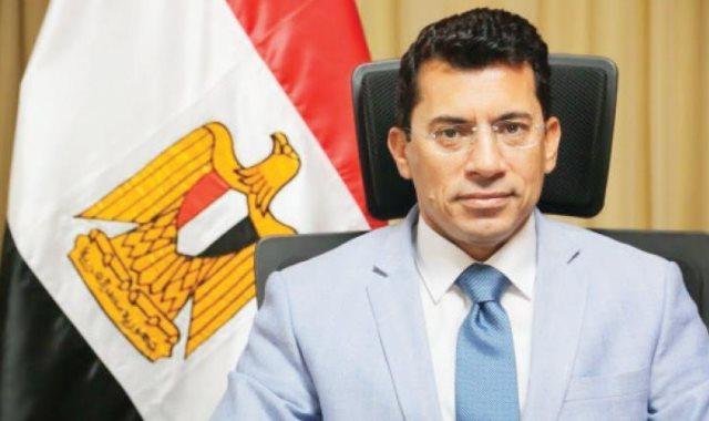 وزير الرياضه