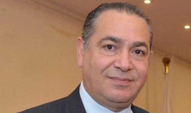 الدكتور هشام عطية عميد كلية الإعلام وتكنولوجيا الاتصال