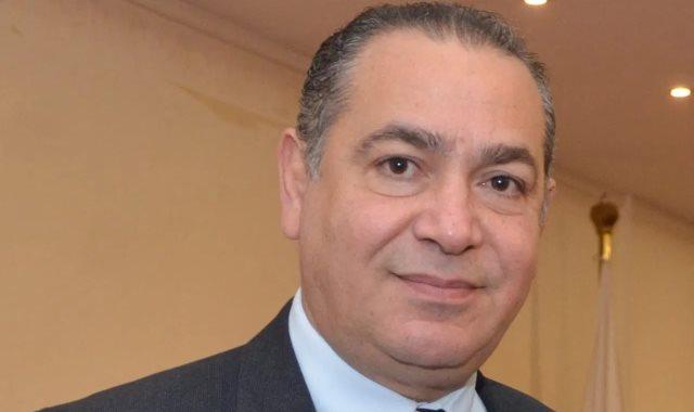 الدكتور هشام عطية عميد كلية الإعلام جامعة مصر للعلم والتكنولوجيا