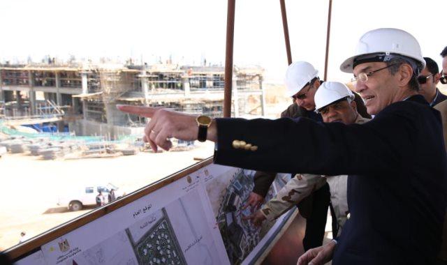 وزير الاتصالات يتفقد مدينة المعرفة بالعاصمة الإدارية