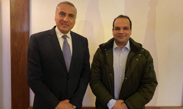نائب محافظ البنك المركزى وأحمد يعقوب محرر اليوم السابع