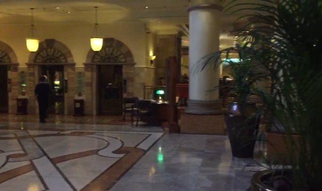 هدوء في فندق
