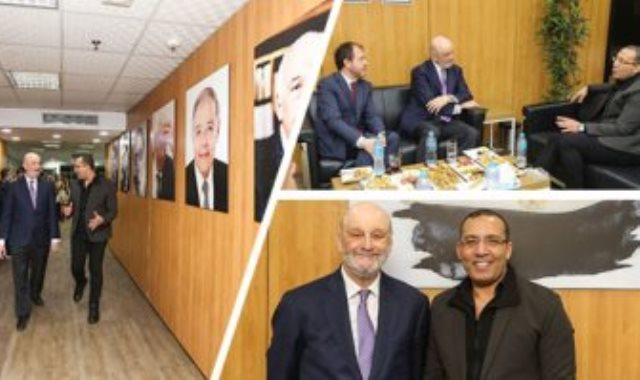 الكاتب الصحفى والإعلامى خالد صلاح والسفير الأسبانى لدى القاهرة رامون جيل كاساريس