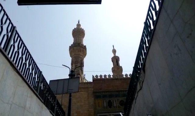 غلق أبواب مسجد الأزهر