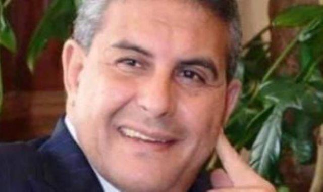 طاهر أبو زيد نجم الأهلي السابق