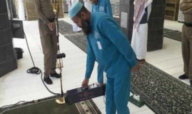 رئاسة الحرمين تستخدم تقنية الأوزون في تعقيم المسجد الحرام