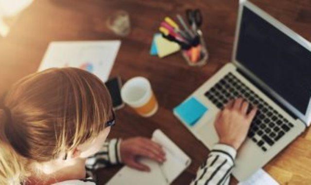 ممارسة نصائح للعودة للعمل، العودة للعمل ،نصائح للعودة للعمل بعد الاجازة، العزل المنزلى-أرشيفية