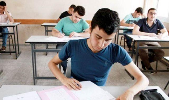 الامتحانات