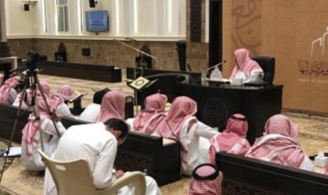 السماح بالدروس والمحاضرات بالمساجد