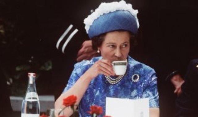 الملكة إليزابيث-أرشيفية