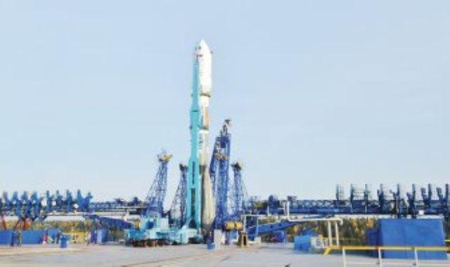 """الإمارات تطلق اليوم القمر الصناعى """"مزن سات"""" إلـى الفضاء"""