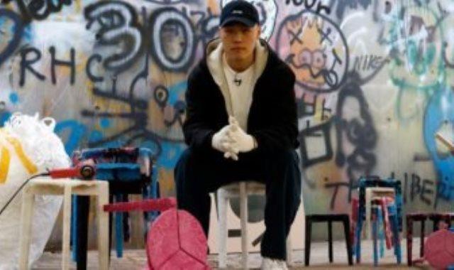 طالب كوري يعيد تدوير الكمامات